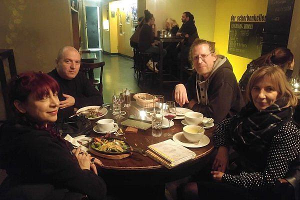 Von links: Tanja Vujinovic, Milan Bosnic, Niki Passath, und Mirjana Peitler-Selakov.